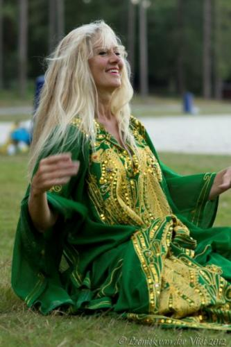 20120818-Bellydance-on-the-beach-039-2