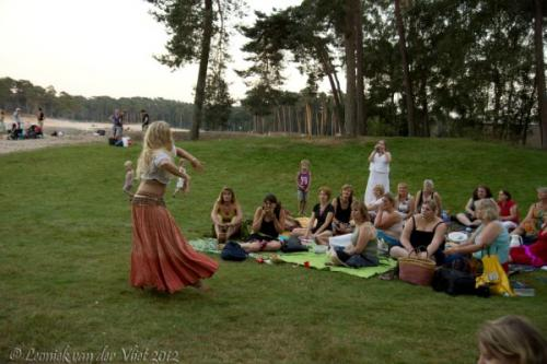 20120818-Bellydance-on-the-beach-051-2