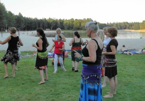 Bellydance-on-the-beach-52